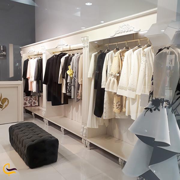فروشگاه لباس زنانه در طبقه همکف برج آرمیتاژ مشهد