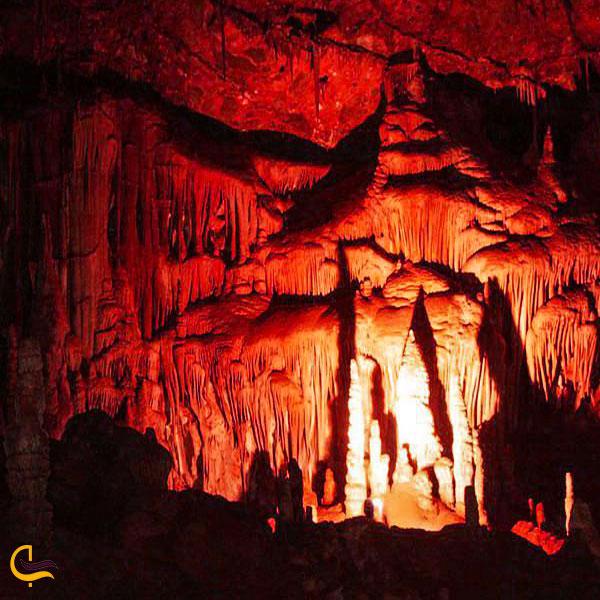 تصویری از داخل غار زندان چاوه
