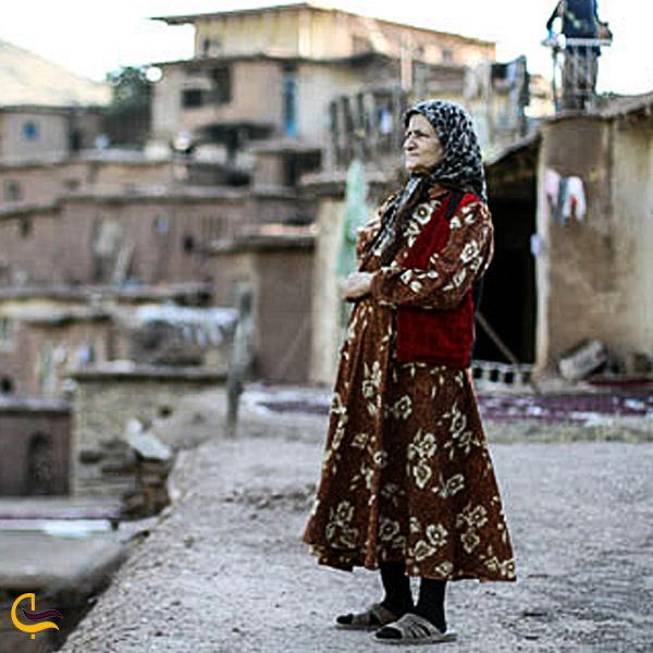 تصویری از لباس محلی مردم طالقان