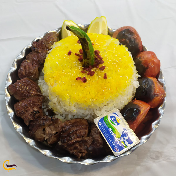 تصویری از غذای لذیذ در رستوران شمسالعماره