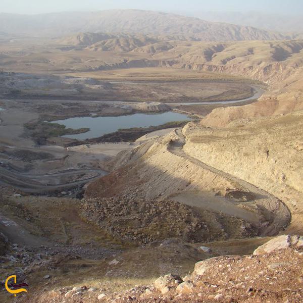 نمایی از دریاچه سد سیمره