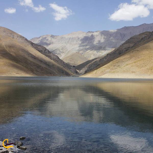 نمایی از دریاچه تار دماوند