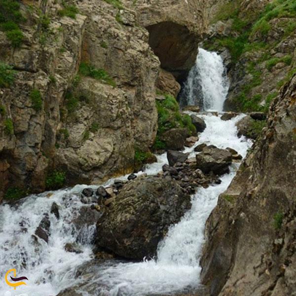 تصویری از آبشار آیسورا