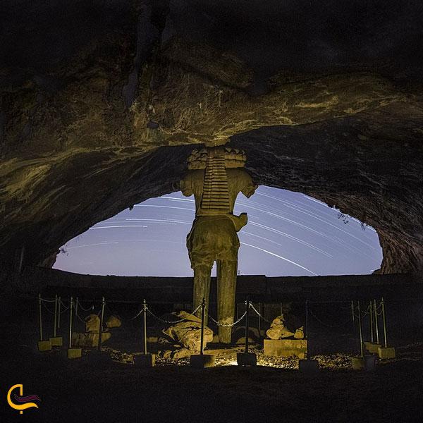 تصویری از غار شاپور