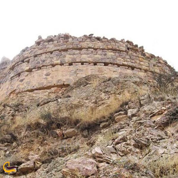 تصویری از قلعه پیغام