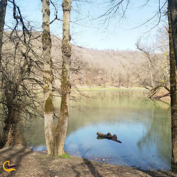 تصویری از دریاچه چورت یران