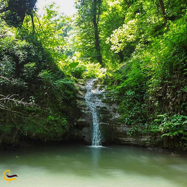 نمای نزدیک از آبشار کیمون بابل