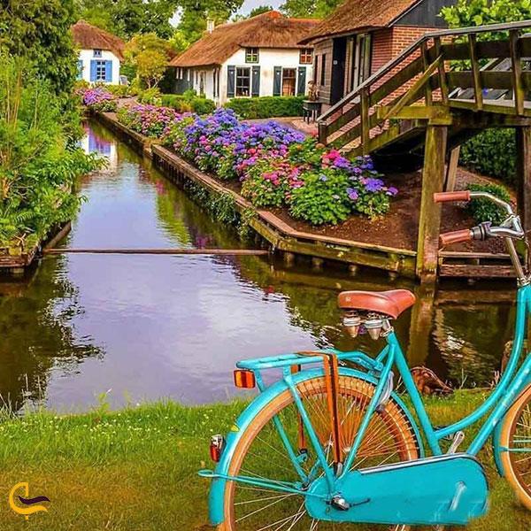 نمایی از دوچرخه سواری در روستای گیتورن