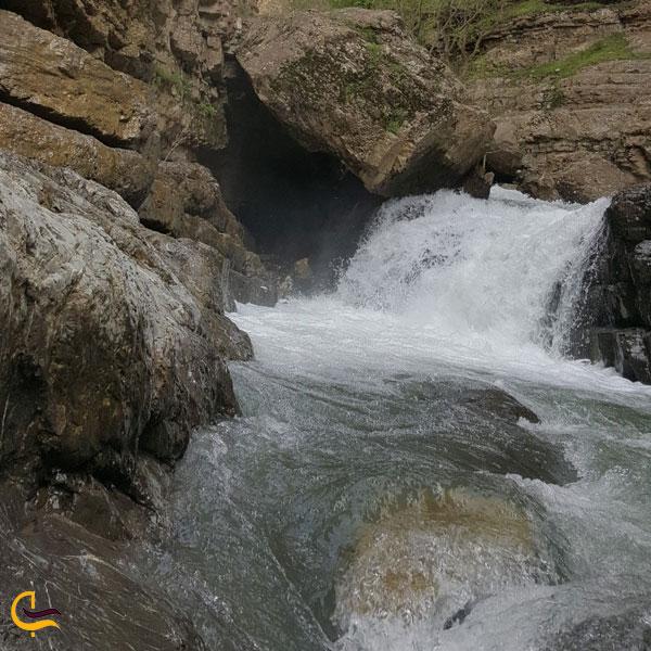 تصویری از آبشار دلفارد جیرفت
