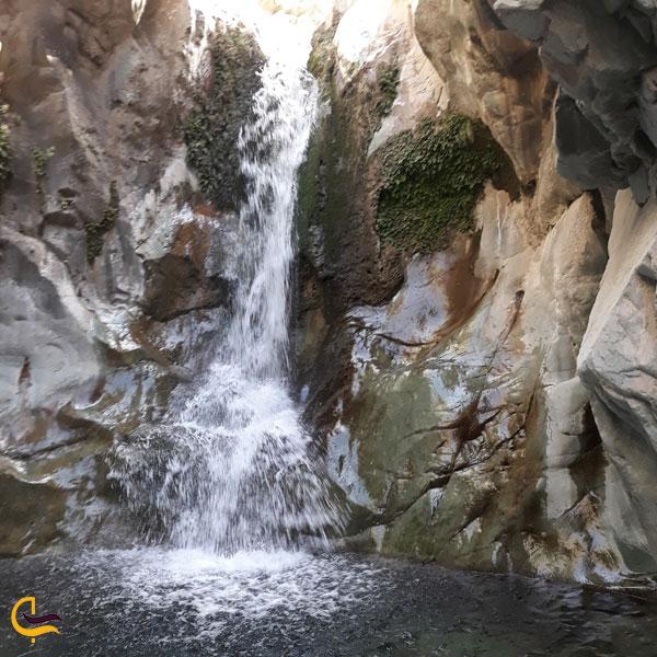 عکسی از آبشار دلفارد جیرفت