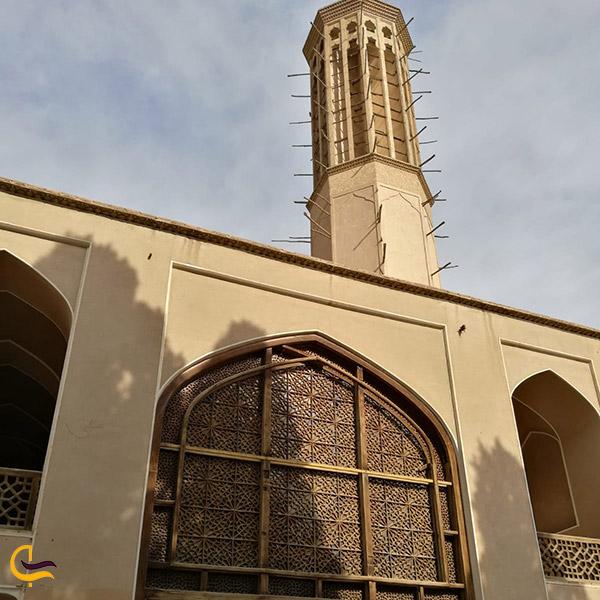 نمایی ازسازه بادگیر باغ دولت آباد