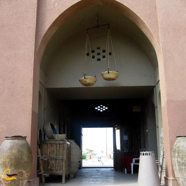 نمایی از ورودی ارگ تاریخی گوگد