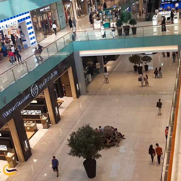 نمایی ازفضای داخلی مرکز خرید دبی مال