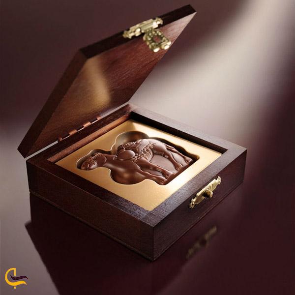 تصویری از شکلات شتری دبی