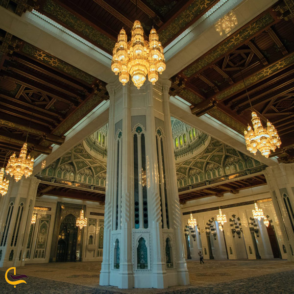 تصویری از طراحی داخلی مسجد سطان قابوس