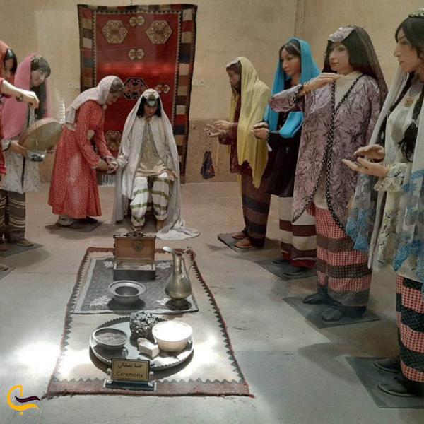 تصویری از مجسمه های مراسم حنابندان در موزه حمام وکیل شیراز