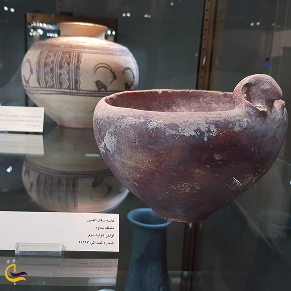نمایی ازآثار دیگر سفالی موزه رضا عباسی