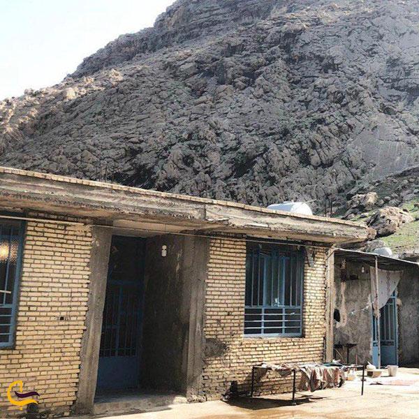 نمایی ازخانههای روستایی در تکاب