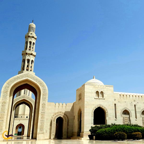 عکسی از صحن مسجد جامع سلطان قابوس