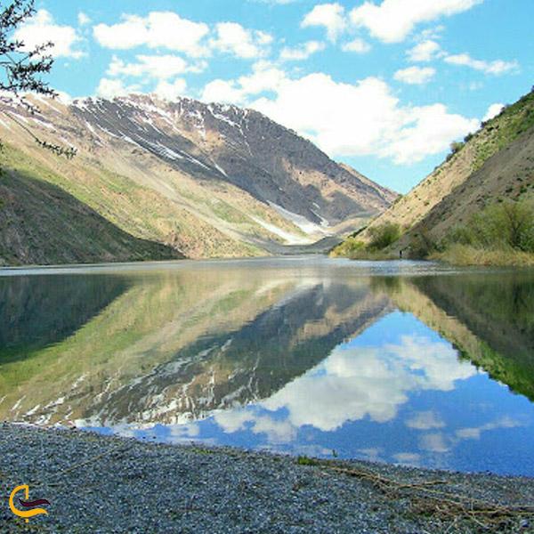 تصویری از دریاچه تمی
