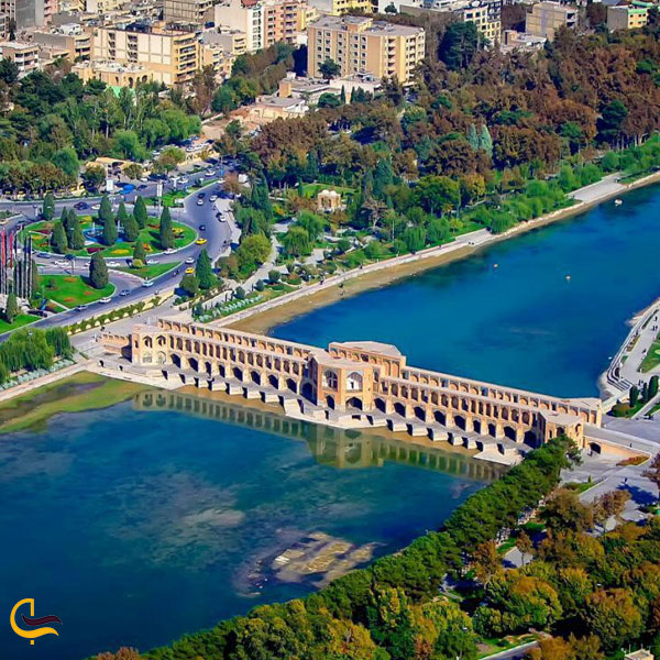 نمایی از بالای شهر اصفهان