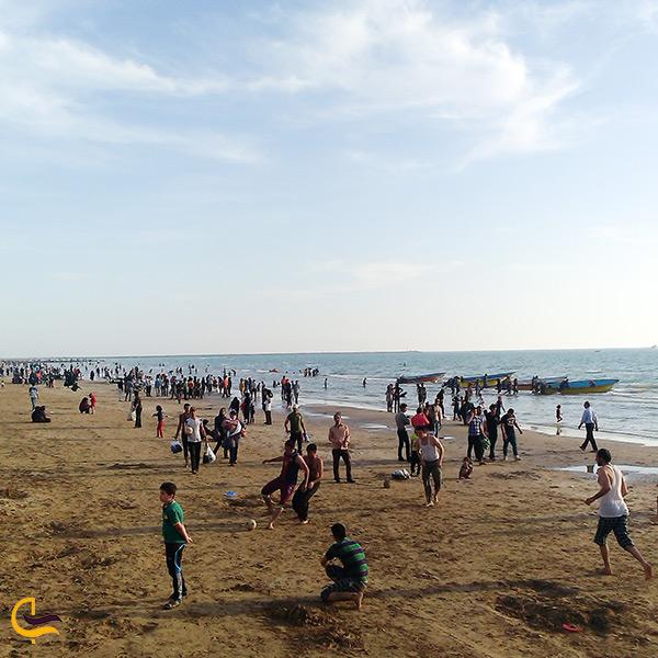 بازدید از ساحل شنی بندر گناوه