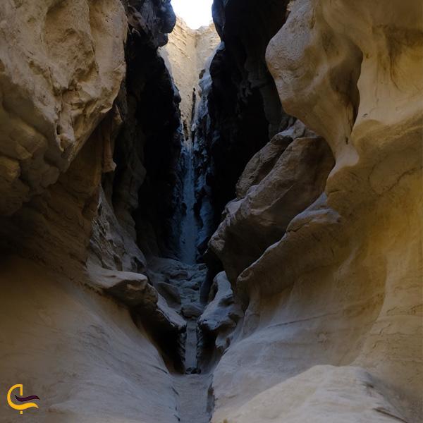 تصویری از دره چاهکوه قشم