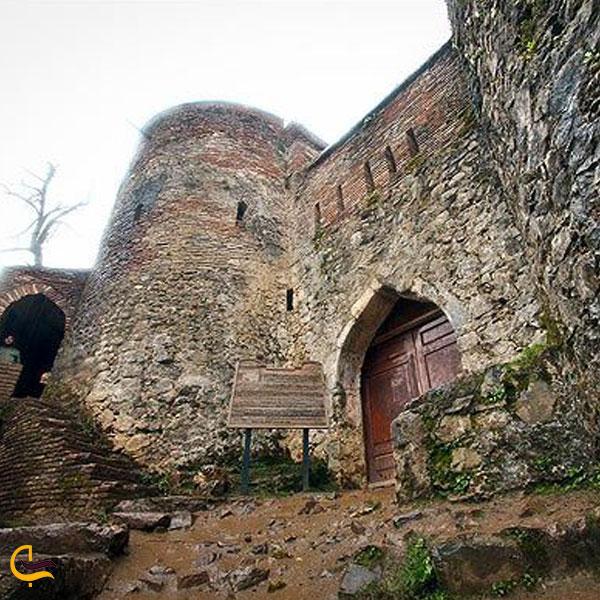 تصویری از قلعه بندبن