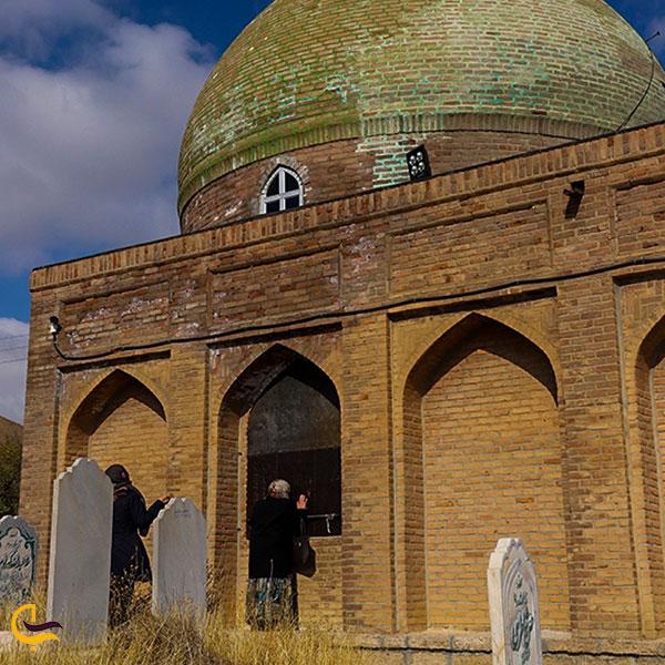 عکس آرامگاه خشتی شیخ شمس الدین برهانی