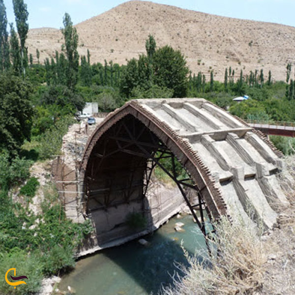 تصویری از پل انبوه