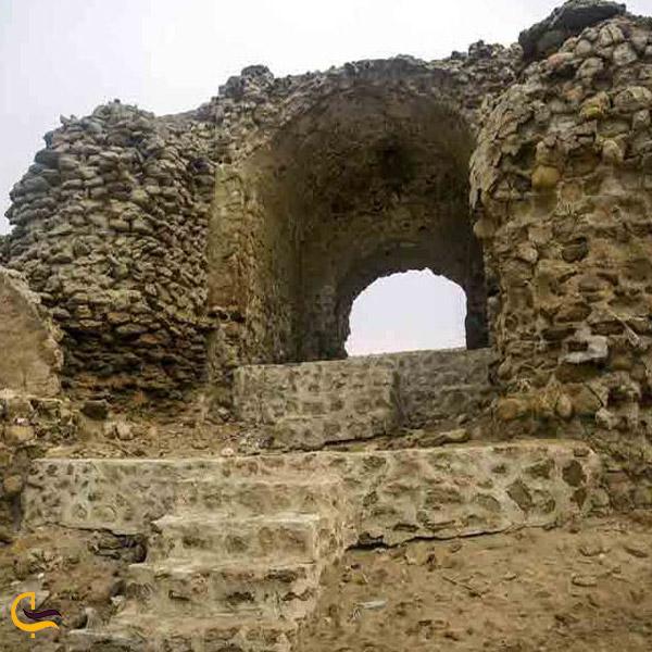 تصویری از قلعه نادری لافت
