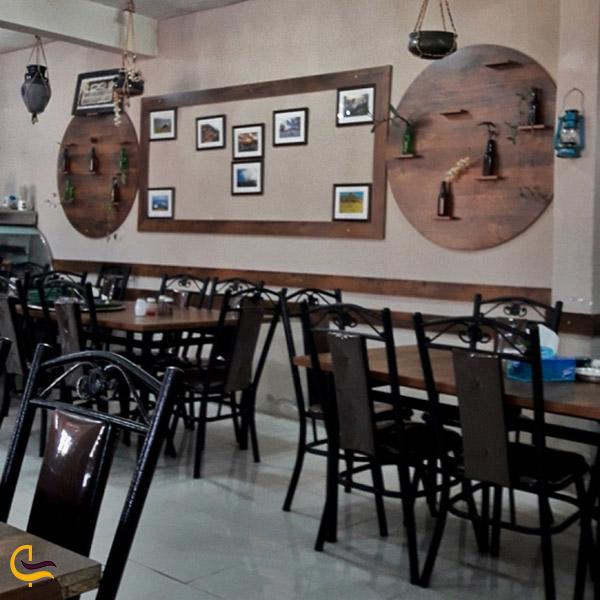 عکس فضای داخلی رستوران نمونه جوجه محلی فومن