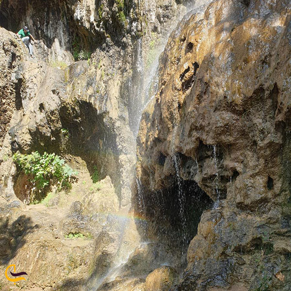 عکس آبشار کمرد