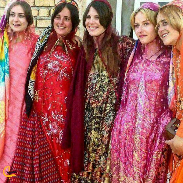 تصویری از لباس محلی مردم استان فارس