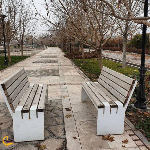 عکس نیمکت های پارک مینیاتوری مشهد