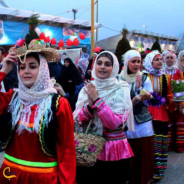 تصویری از برگزاری مراسم عروس گولی آداب و رسوم شفت