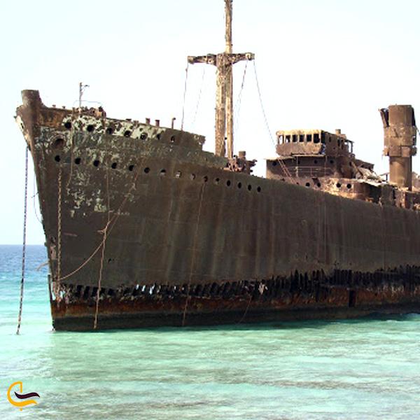 تصویری از کشتی یونانی