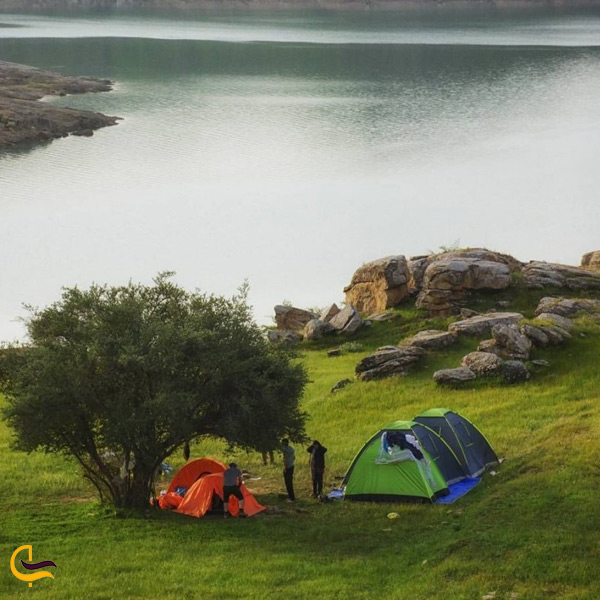 تصویری از کمپ زدن در طبیعت سد سله بن