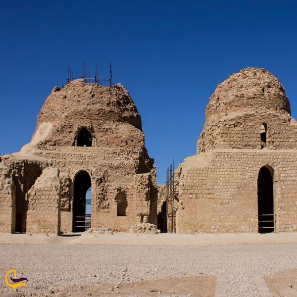 نمایی از کاخ ساسانی سروستان