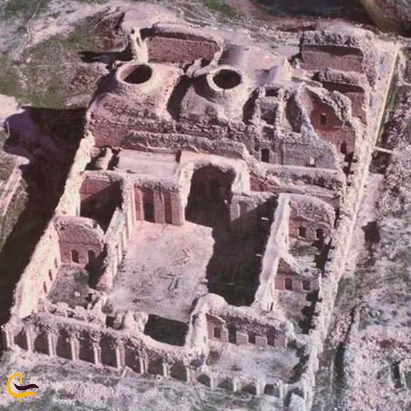 تصویری از گنبدهای کاخ اردشیر بابکان