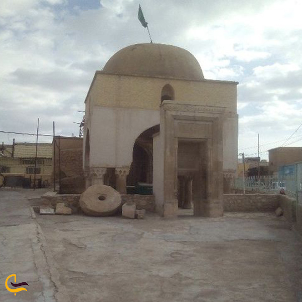 تصویری از آرامگاه شیخ یوسف سروستانی