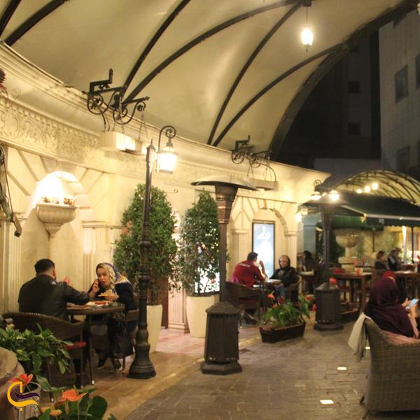 تصویری از کافه رستوران ویکولو