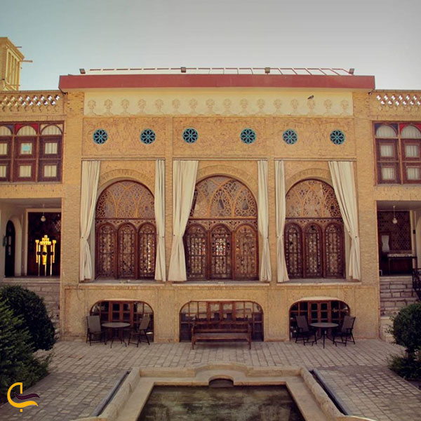 تصویری از عمارت دیوانی یزد