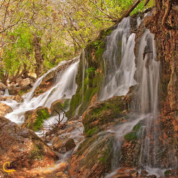 تصویری از آبشار بار