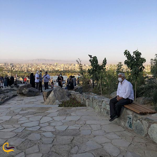 عکس صندلیهای استراحت مجموعه تفریحی کوهشار مشهد