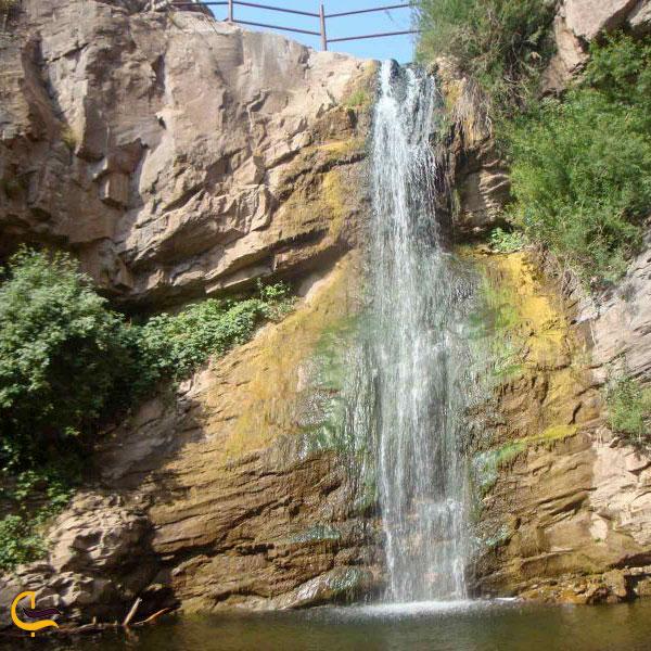 نمای نزدیکتر آبشار سیجان