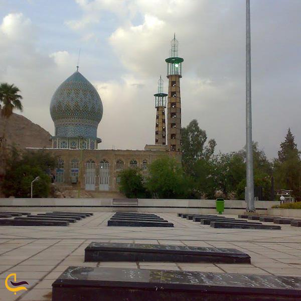 تصویری از زیارتگاه پیرمراد