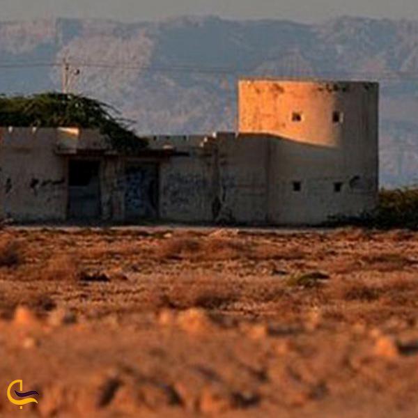 تصویری از قلعه جنی