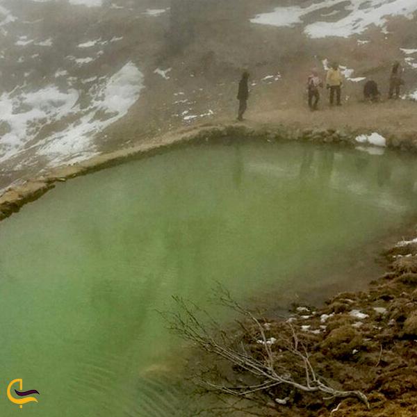 تصویری از چشمه آبگرم لاریجان