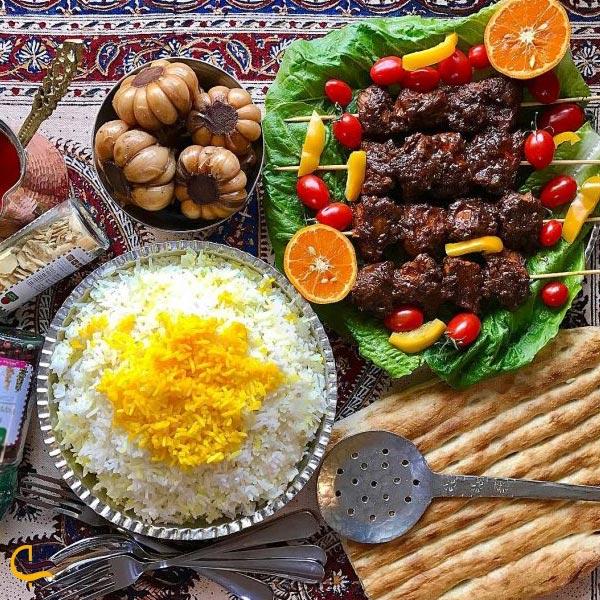 تصویری از غذاخوریهای محلی داماش